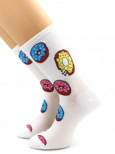 Высокие носки с разноцветными пончиками