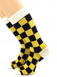 Высокие носки в цветную шахматную клетку