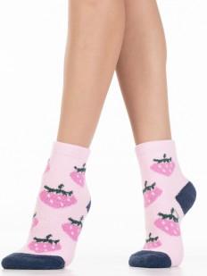 Махровые розовые женские носки с клубникой