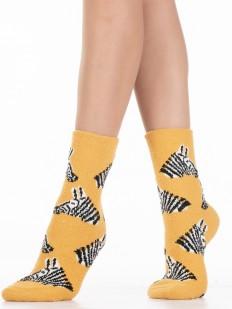 Желтые махровые женские носки с зебрами