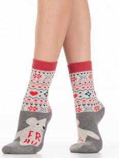 Теплые высокие женские носки с махрой внутри и уютным зимним принтом