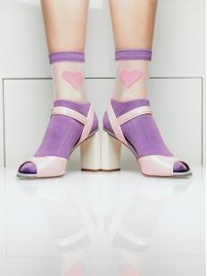 Высокие женские стильные носки с сердечками