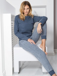 Теплая женская пижама с брюками из вискозы