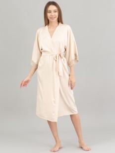 Длинный атласный женский халат с кружевной отделкой рукавов