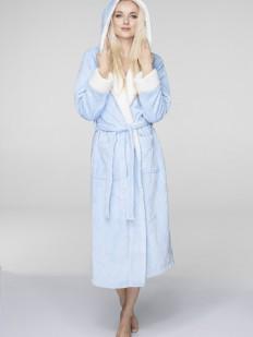 Теплый женский длинный халат с капюшоном