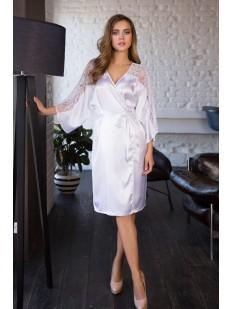 Белоснежный сатиновый женский халат с кружевным рукавом