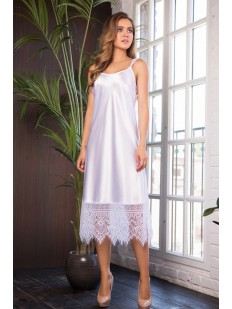 Длинная белая атласная сорочка под платье с кружевом